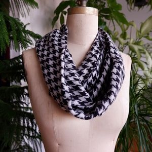 Accessories - Houndstooth Infinity Scarf